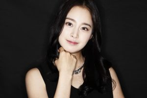 Chia sẻ bí quyết có làn da sáng mịn như Kim Tae Hee