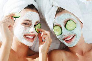Thường xuyên đắp mặt nạ và để quá lâu sẽ gây tổn thương cho da