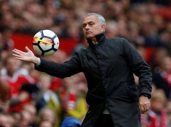 Mourinho xác nhận 3 cái tên đá chính trước Liverpool