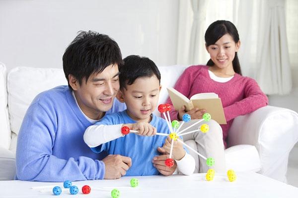 Điều cha mẹ nên dạy con khi bé bước lên 10 tuổi