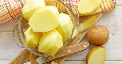 Làm đẹp da mặt giản đơn tại nhà bằng khoai tây