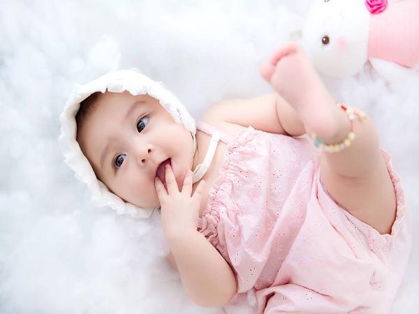 chọn sữa dinh dưỡng cho trẻ 3 tháng tuổi khỏe mạnh