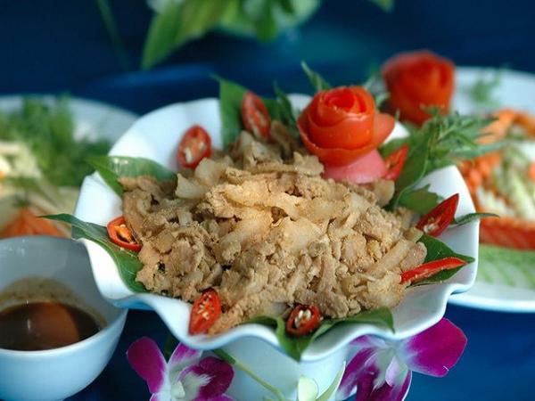 Thịt lợn muối chua- đặc sản Hòa Bình ngon hấp dẫn