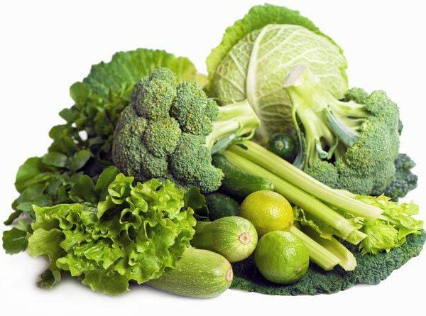 Thực phẩm bổ máu cho bé từ nhóm rau xanh và trái cây