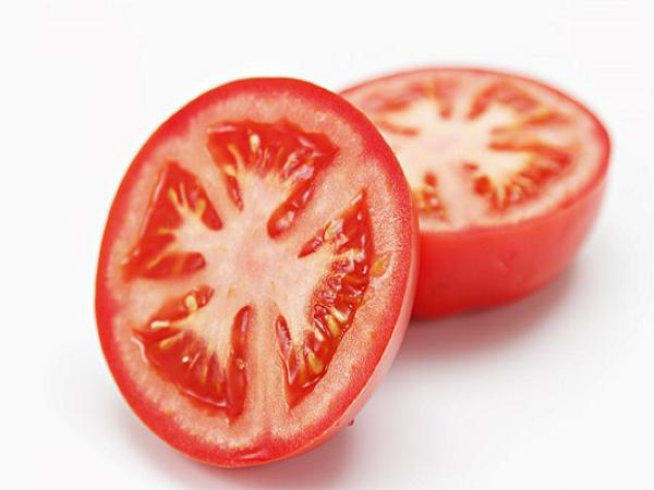 Cách trị mụn bọc hiệu quả bằng cà chua