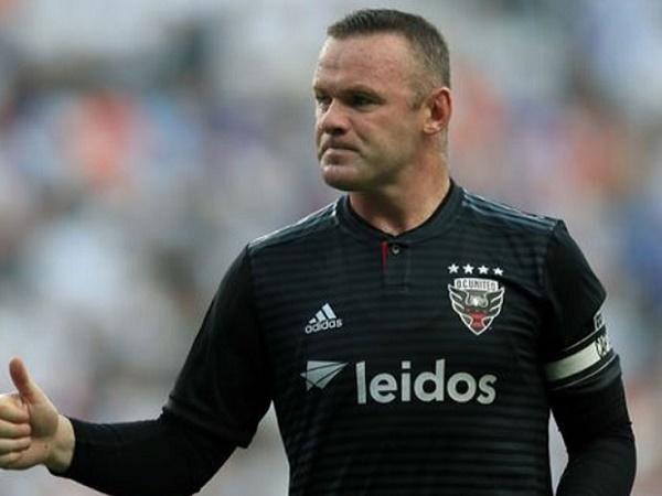 Chuyển nhượng 7/8: Rooney chuẩn bị trở lại Anh