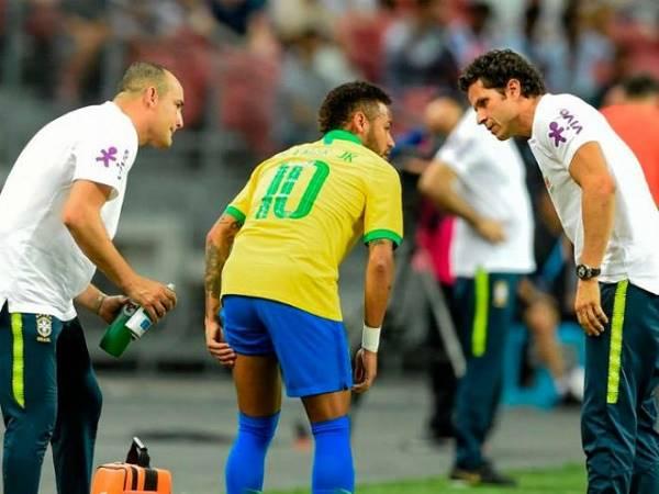 Neymar chấn thương, phải nghỉ ít nhất 1 tháng