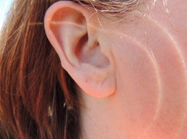 Ngứa tai là điềm gì, tốt hay xấu?