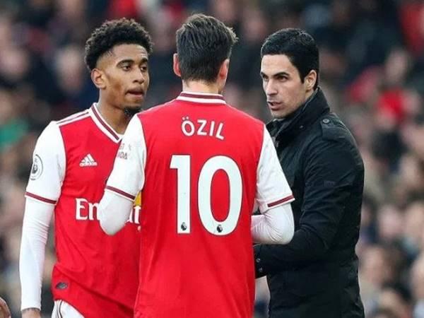 Arsenal có thể lọt vào top 4 không khi thua tới 11 điểm?