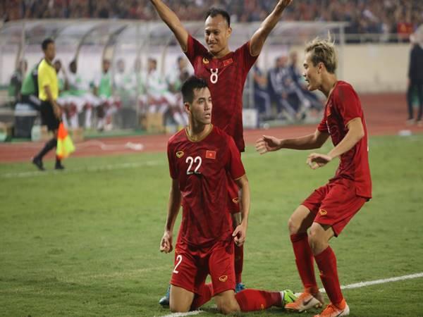 Tin bóng đá Việt 15/5: Park Hang Seo không còn đường lùi