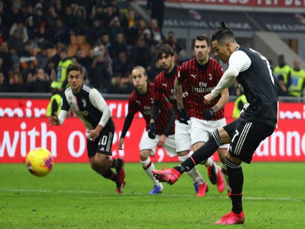 Ronaldo có cơ hội ghi bàn trước AC Milan