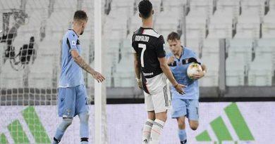 Ronaldo mách Szczesny bắt quả phạt đền từ Ciro Immobile