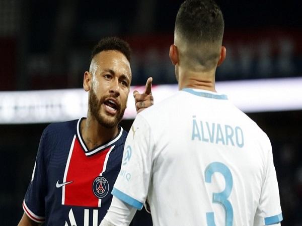 Neymar ăn thẻ đỏ, tố hậu vệ Marseille phân biệt chủng tộc