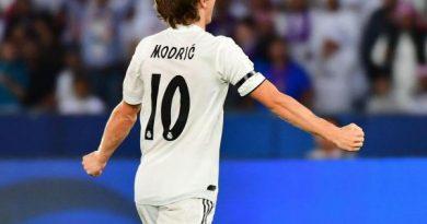 Tin bóng đá tối 12/10: Luka Modric sẽ ở lại Real Madrid với 1 điều kiện
