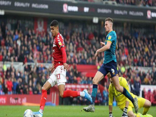 Soi kèo Middlesbrough vs QPR, 01h35 ngày 19/8 - Hạng Nhất Anh