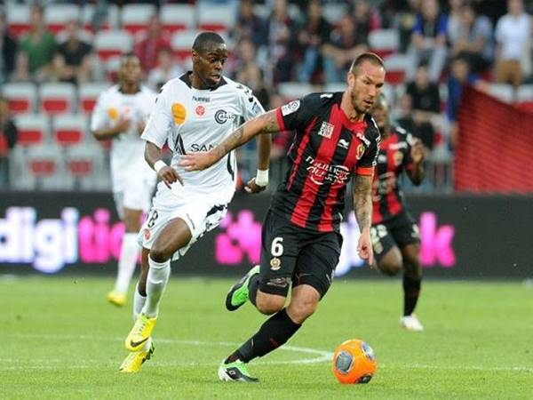 Soi kèo bóng đá giữa Lorient vs Nice, 2h00 ngày 23/9